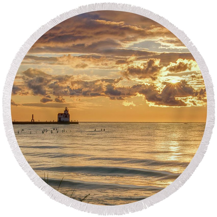 Lighthouse Round Beach Towel featuring the photograph Risin' And Shinin' by Bill Pevlor