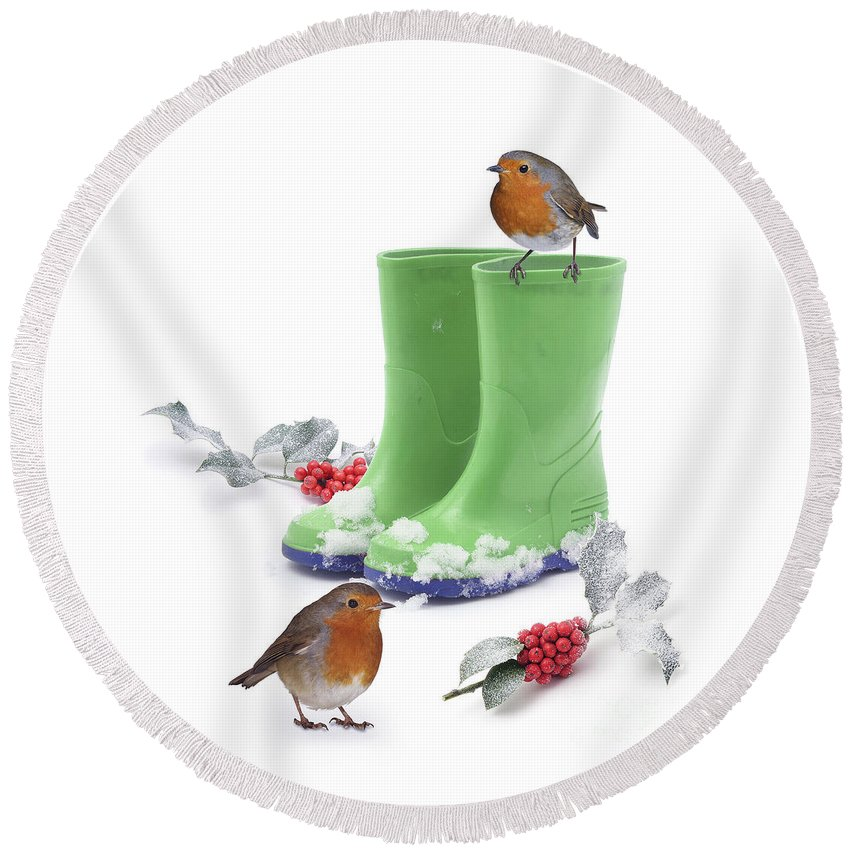 Robins Round Beach Towel featuring the photograph Robins And Green Wellies by Warren Photographic