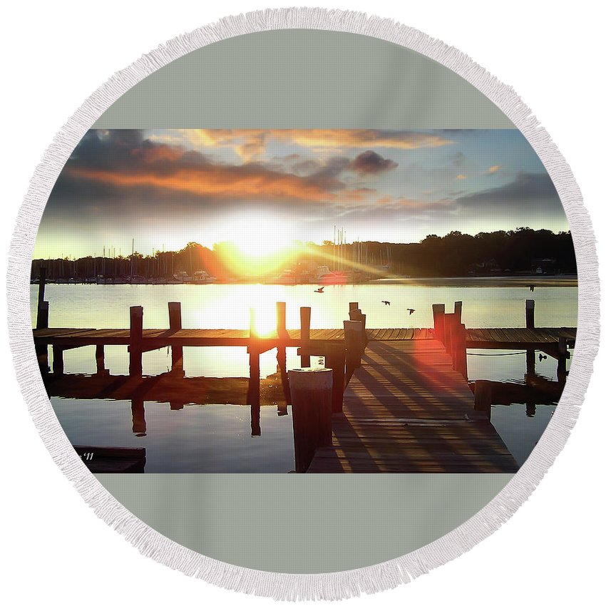 2d Round Beach Towel featuring the photograph Rock Creek Morning by Brian Wallace