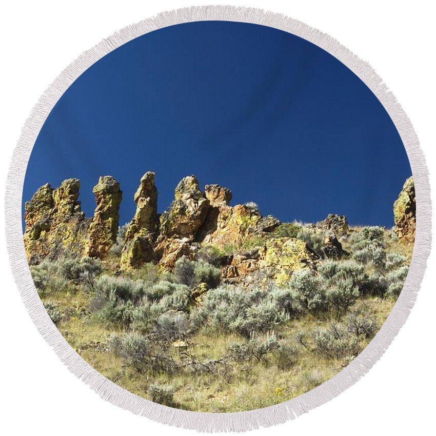 Desert Round Beach Towel featuring the photograph Rocks by Sara Stevenson