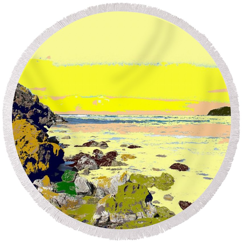Beach Round Beach Towel featuring the photograph Rocky Beach by Ian MacDonald