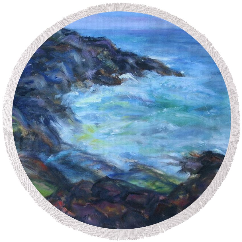 Quin Sweetman Round Beach Towel featuring the painting Rocky Creek Viewpoint by Quin Sweetman