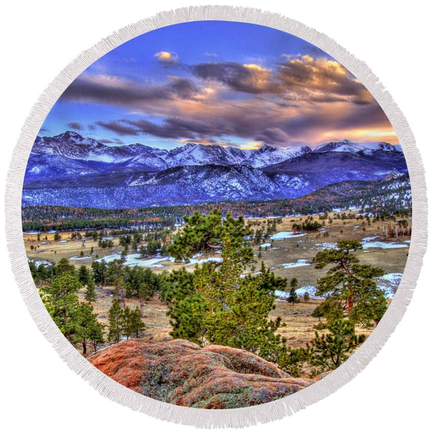 Colorado Round Beach Towel featuring the photograph Rocky Mountain Sunset by Scott Mahon