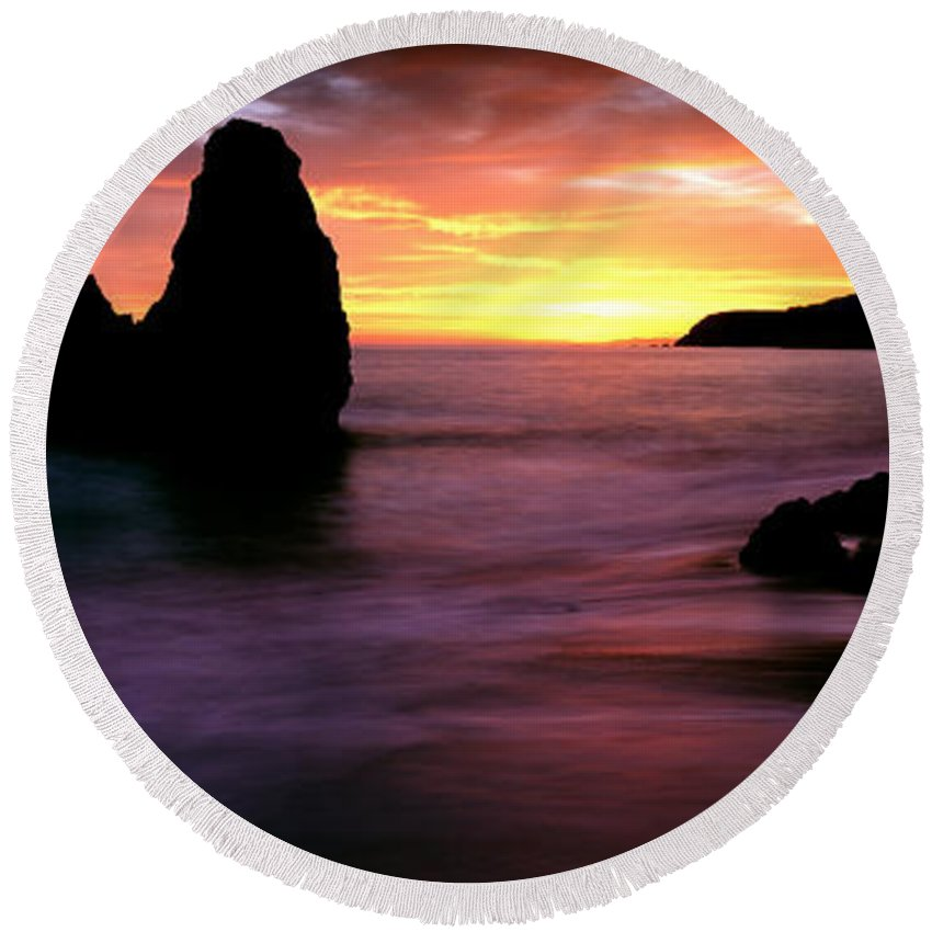 Photography Round Beach Towel featuring the photograph Rodeo Beach At Sunset, Golden Gate by Panoramic Images