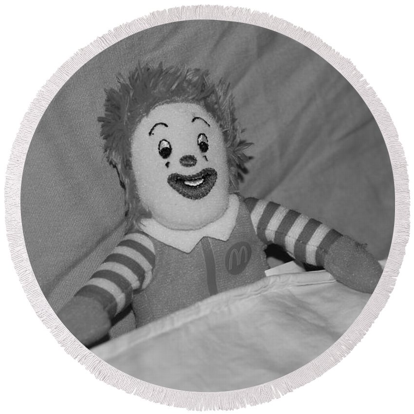 Ronald Mcdonald Round Beach Towel featuring the photograph Ronald Mcdonald by Rob Hans