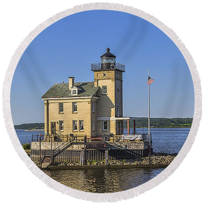 Rondout Lighthouse Round Beach Towel featuring the photograph Rondout Light by Rachel Snydstrup