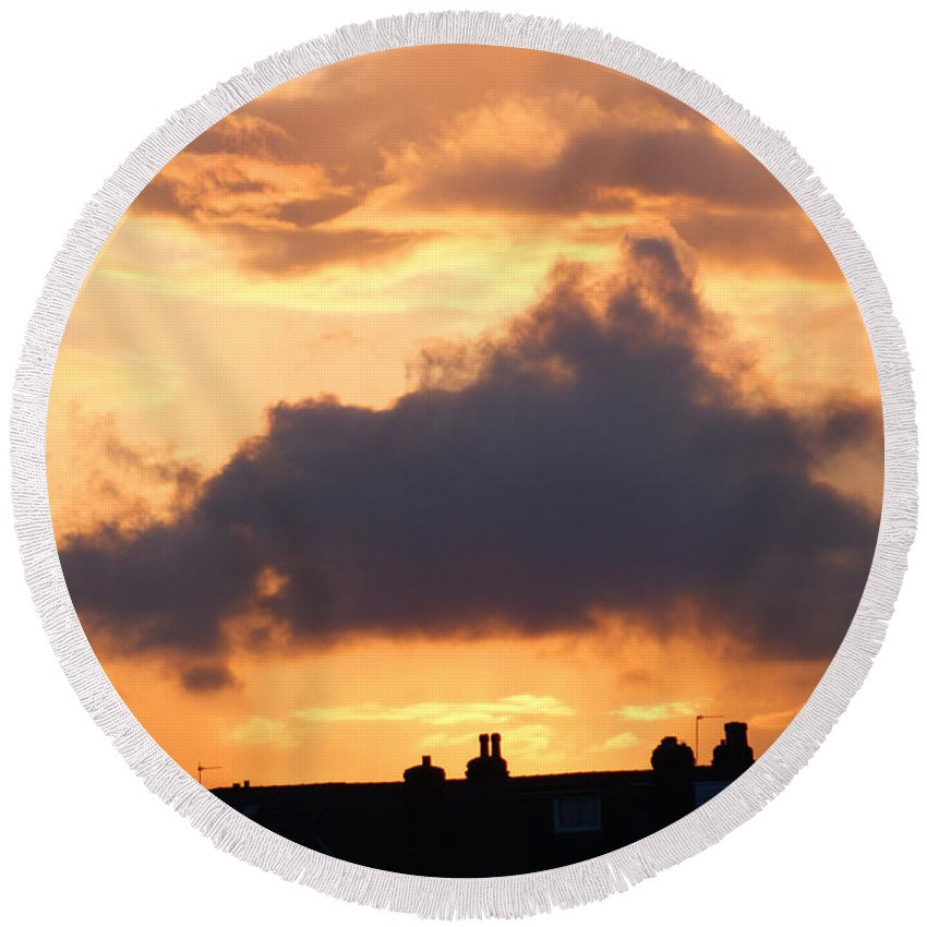 Sunset Round Beach Towel featuring the photograph Rooftop Sunset 2 by Carol Lynch