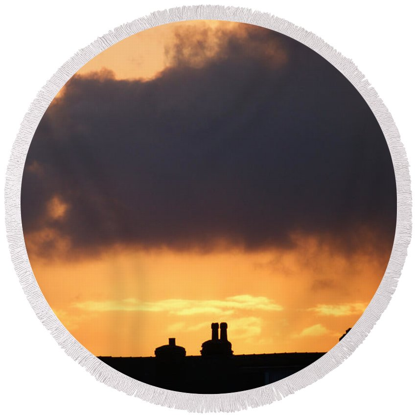 Sunset Round Beach Towel featuring the photograph Rooftop Sunset by Carol Lynch
