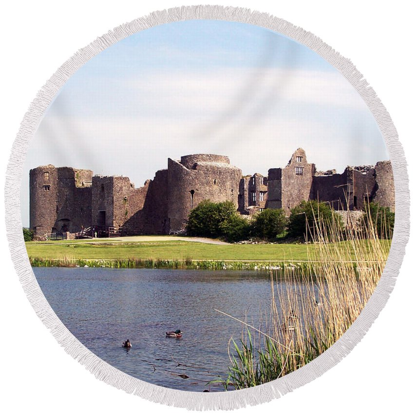 Roscommon Round Beach Towel featuring the photograph Roscommon Castle Ireland by Teresa Mucha