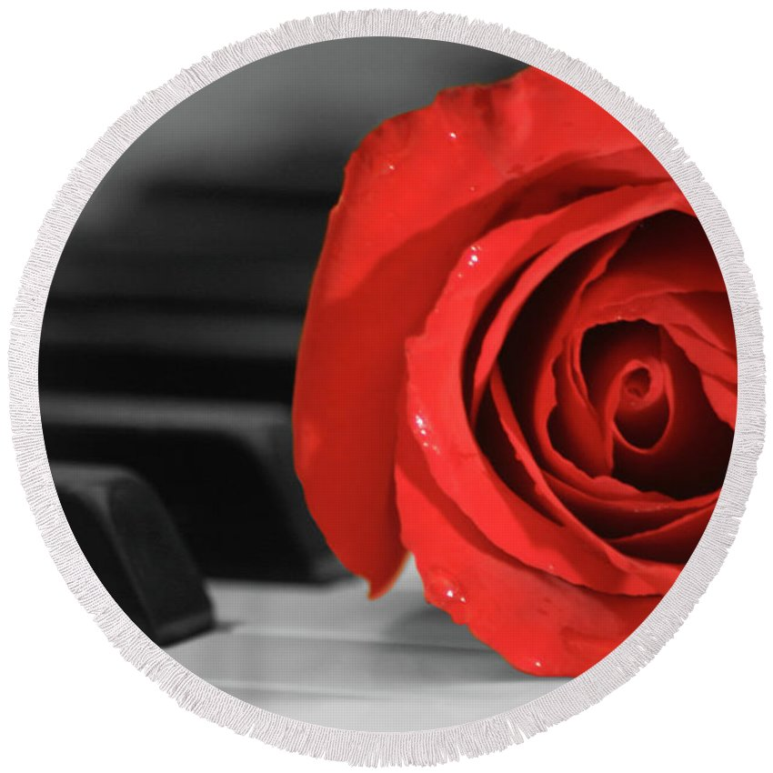 Music Round Beach Towel featuring the photograph Rose And Piano by James Jones