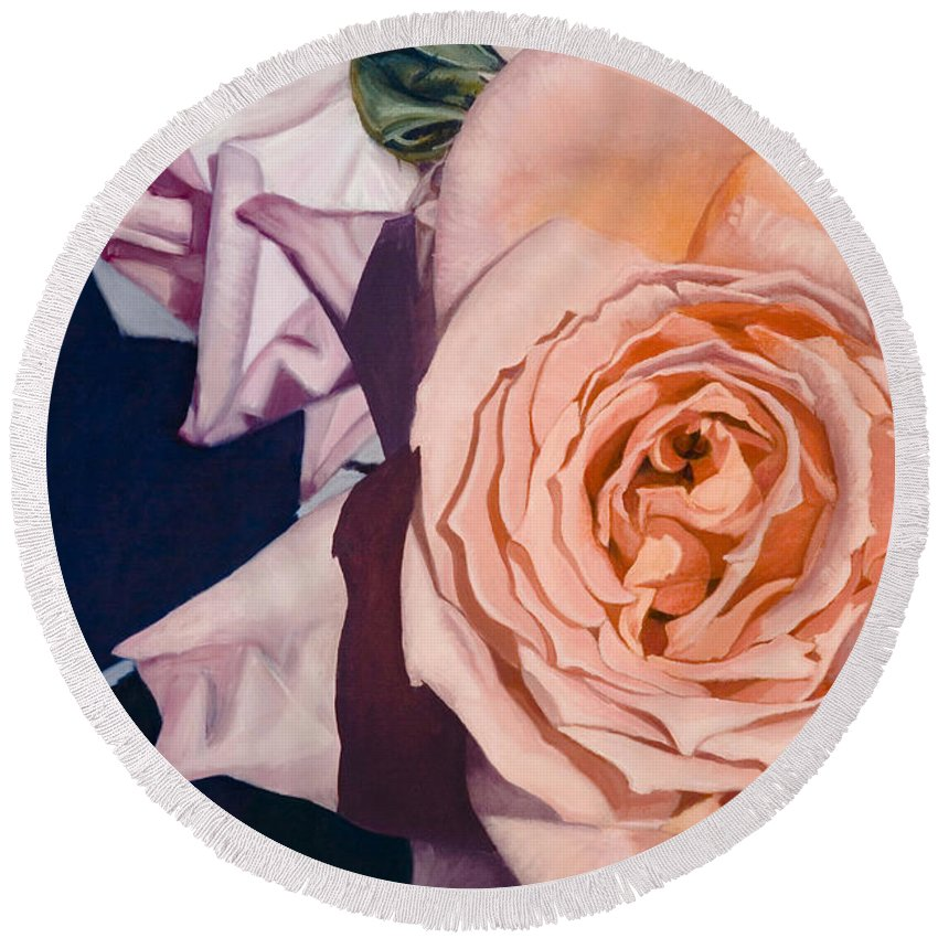 Roses Round Beach Towel featuring the painting Rose Splendour by Kerryn Madsen-Pietsch