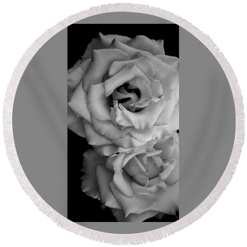 Black And White Round Beach Towel featuring the photograph Roses In Black And White by LKB Art and Photography
