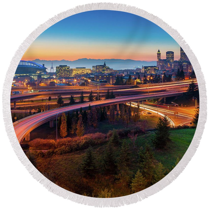 Seattle Round Beach Towel featuring the photograph S For Seattle by Inge Johnsson