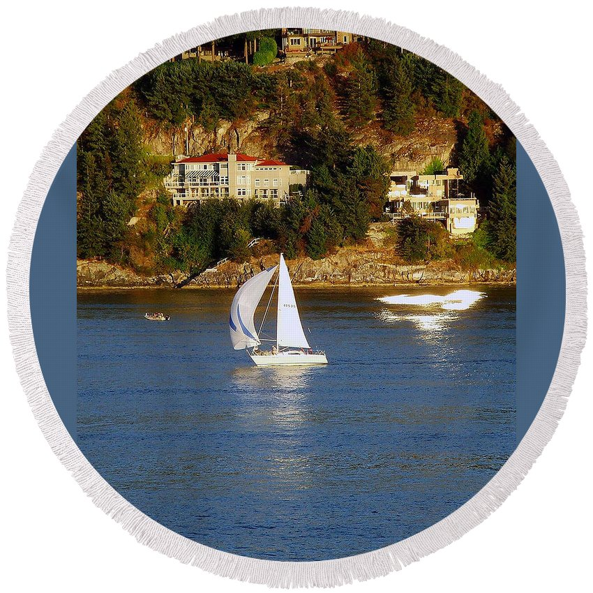 Sailboat Round Beach Towel featuring the photograph Sailboat In Vancouver by Robert Meanor