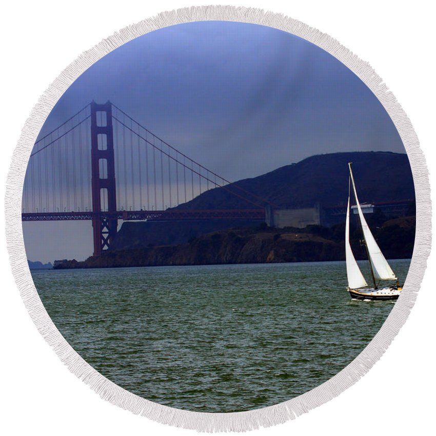 Sailboat Round Beach Towel featuring the digital art Sailing And The Golden Gate by David Salter