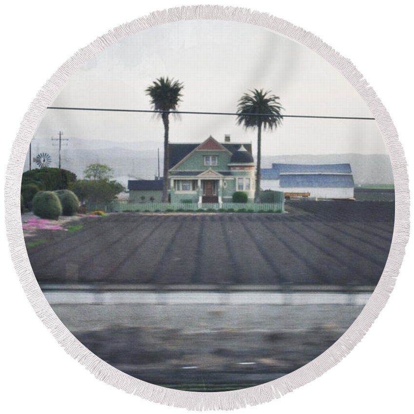 Salinas Valley Round Beach Towel featuring the photograph Salinas Valley Victorian Mansion by Kyle Hanson