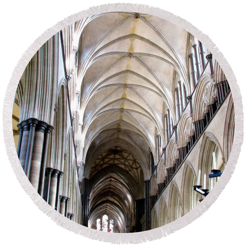 Salisbury Round Beach Towel featuring the photograph Salisbury Cathedral by Amanda Barcon