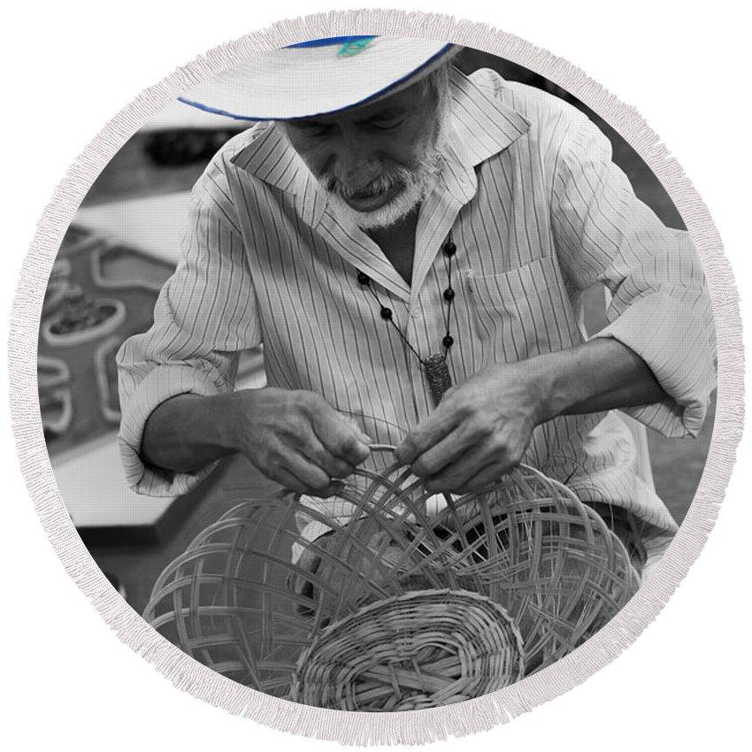 Salvadorean Handcrafter Round Beach Towel featuring the photograph Salvadorean Handcrafter by Totto Ponce