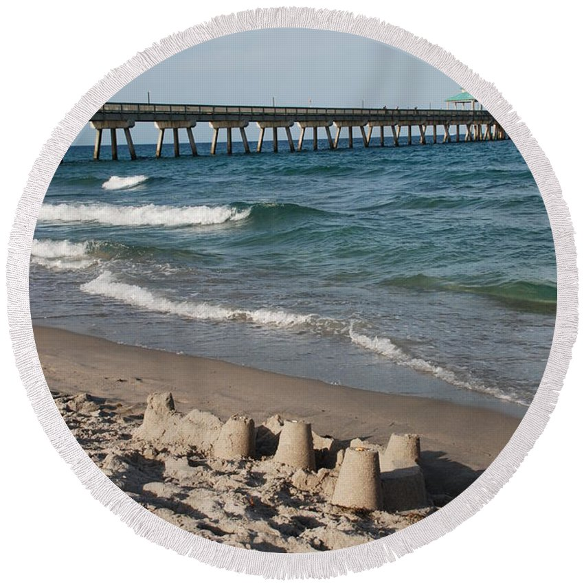 Sea Scape Round Beach Towel featuring the photograph Sand Castles And Piers by Rob Hans