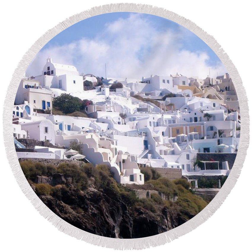 Whitestone Buildings Round Beach Towel featuring the photograph Santorini Hillside 2 by Karen Norton