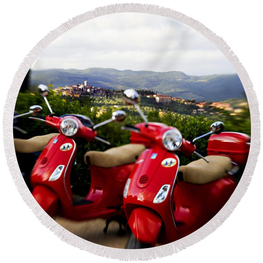 Vespa Round Beach Towel featuring the photograph Scenic Drive by Marilyn Hunt