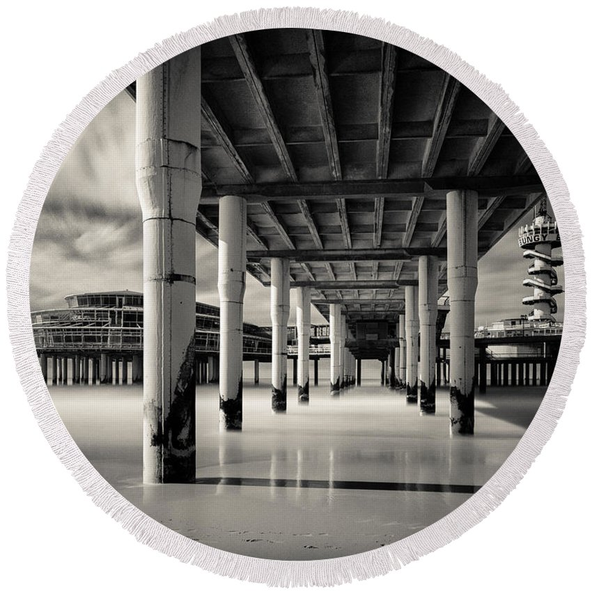 Scheveningen Pier Round Beach Towel featuring the photograph Scheveningen Pier 3 by Dave Bowman