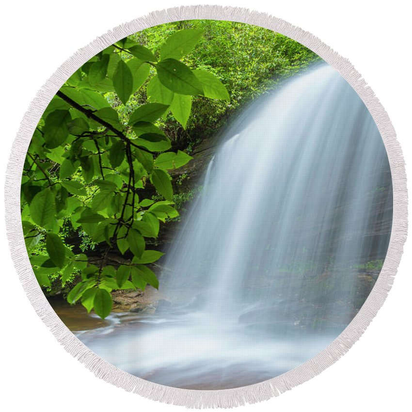 Schoolhouse Round Beach Towel featuring the photograph Schoolhouse Falls In Panthertown Valley North Carolina by Ranjay Mitra