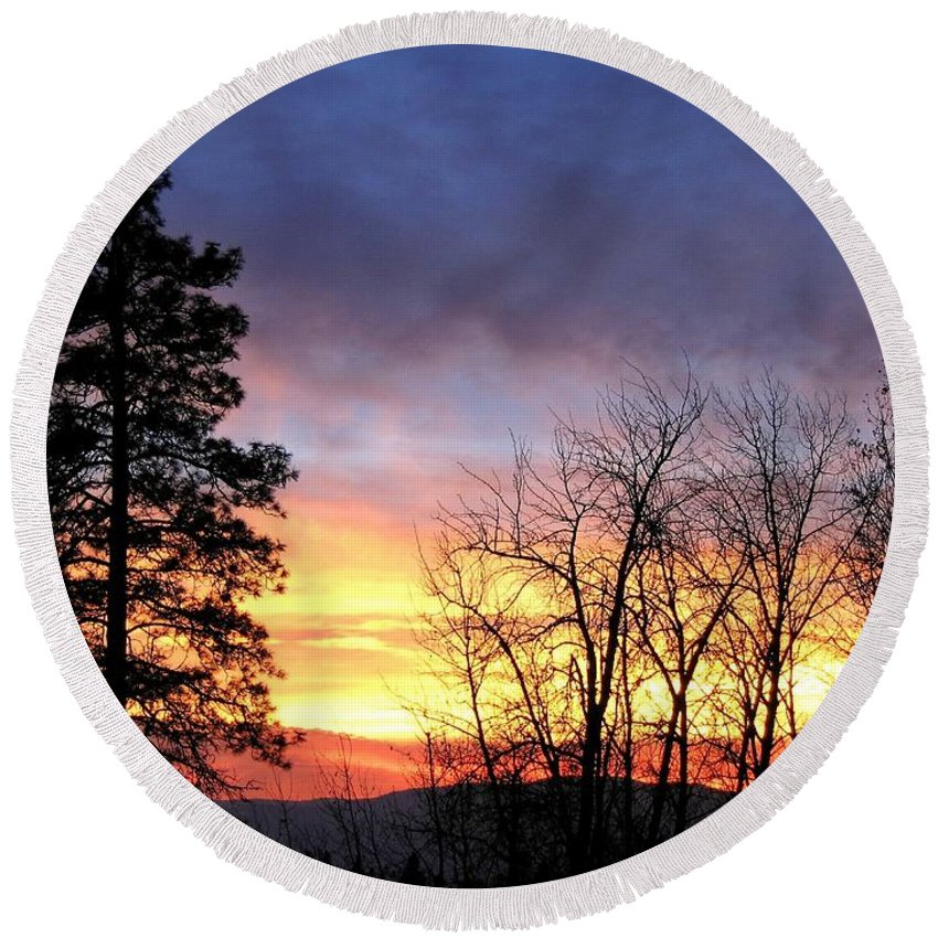 Sunset Round Beach Towel featuring the photograph Scintillating Sunset by Will Borden
