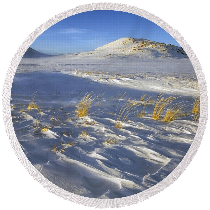 Winter Round Beach Towel featuring the photograph Sculpted By The Wind by Mike Dawson