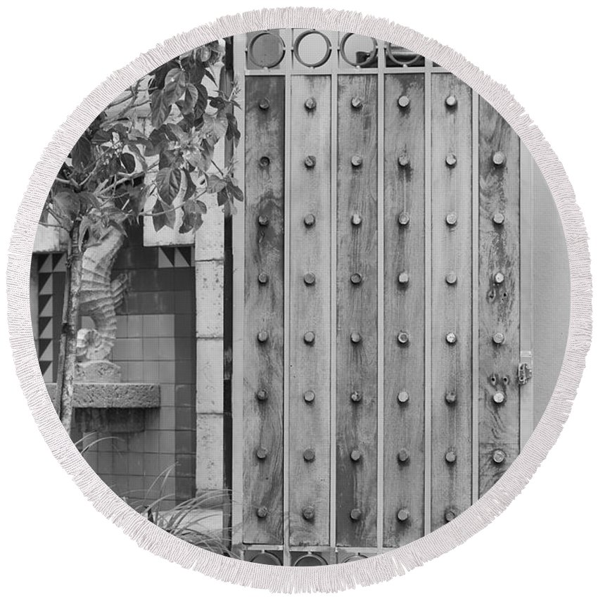 Black And White Round Beach Towel featuring the photograph Sea Horse Gate by Rob Hans