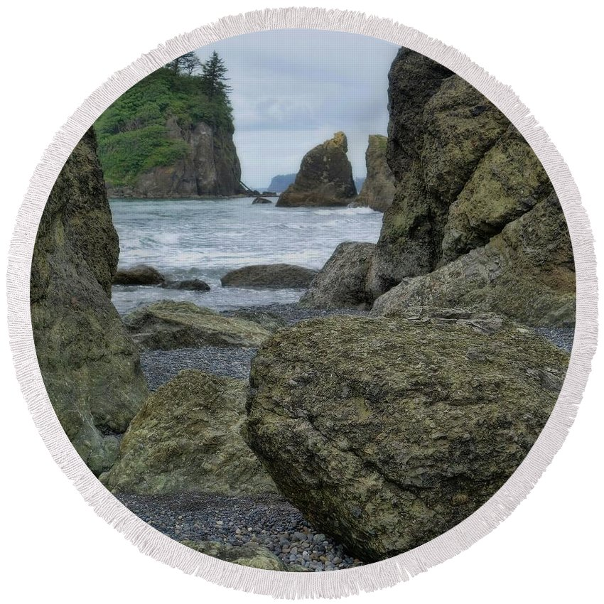 Sea Stacks And Boulders Washington State Round Beach Towel featuring the photograph Sea Stacks And Boulders Washington State by Dan Sproul