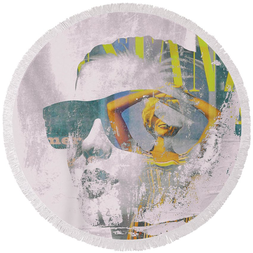 Face Round Beach Towel featuring the digital art Seaching The Summer by Gabi Hampe