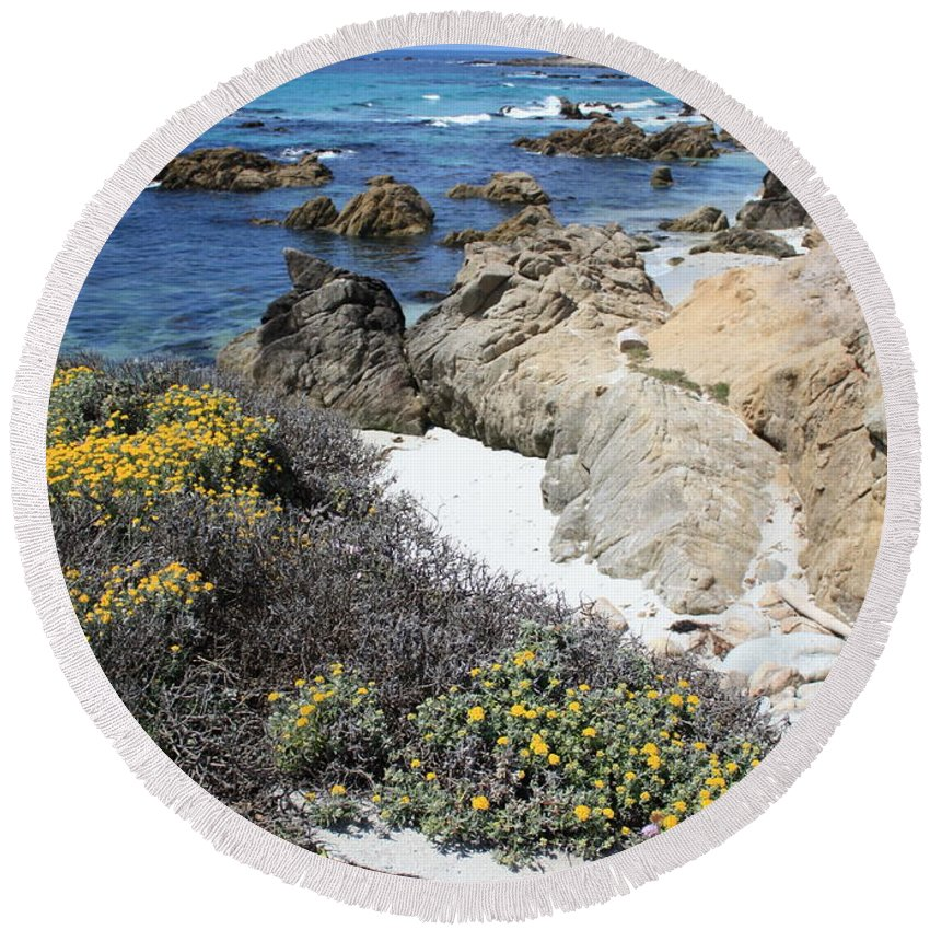 Landscape Round Beach Towel featuring the photograph Seaside Flowers And Rocky Shore by Carol Groenen