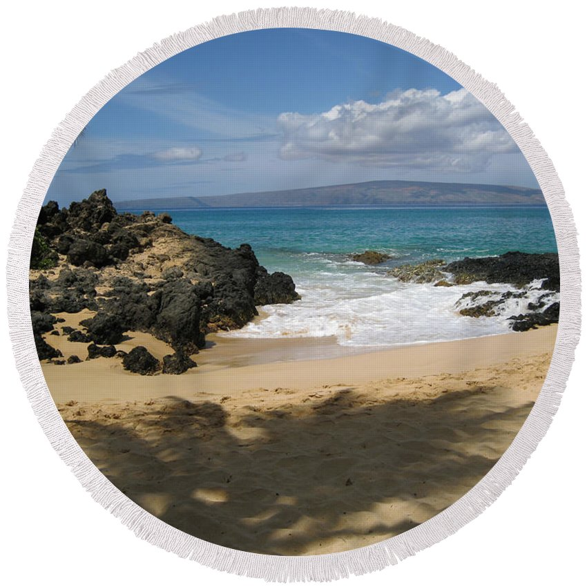 Tropical Round Beach Towel featuring the photograph Secret Cove by Angie Hamlin