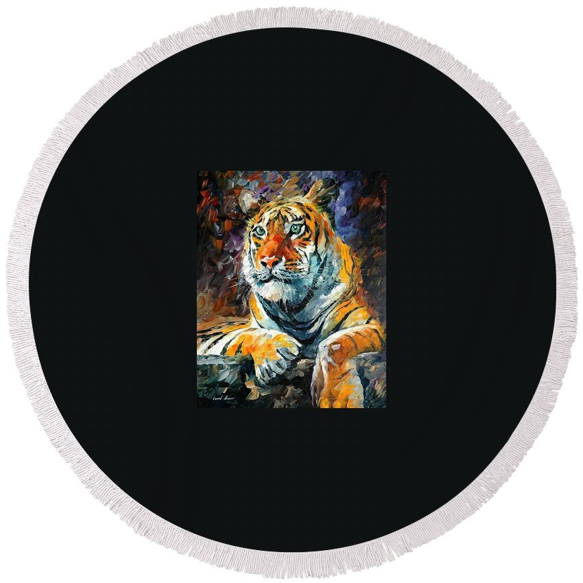 Painting Round Beach Towel featuring the painting Seibirian Tiger by Leonid Afremov
