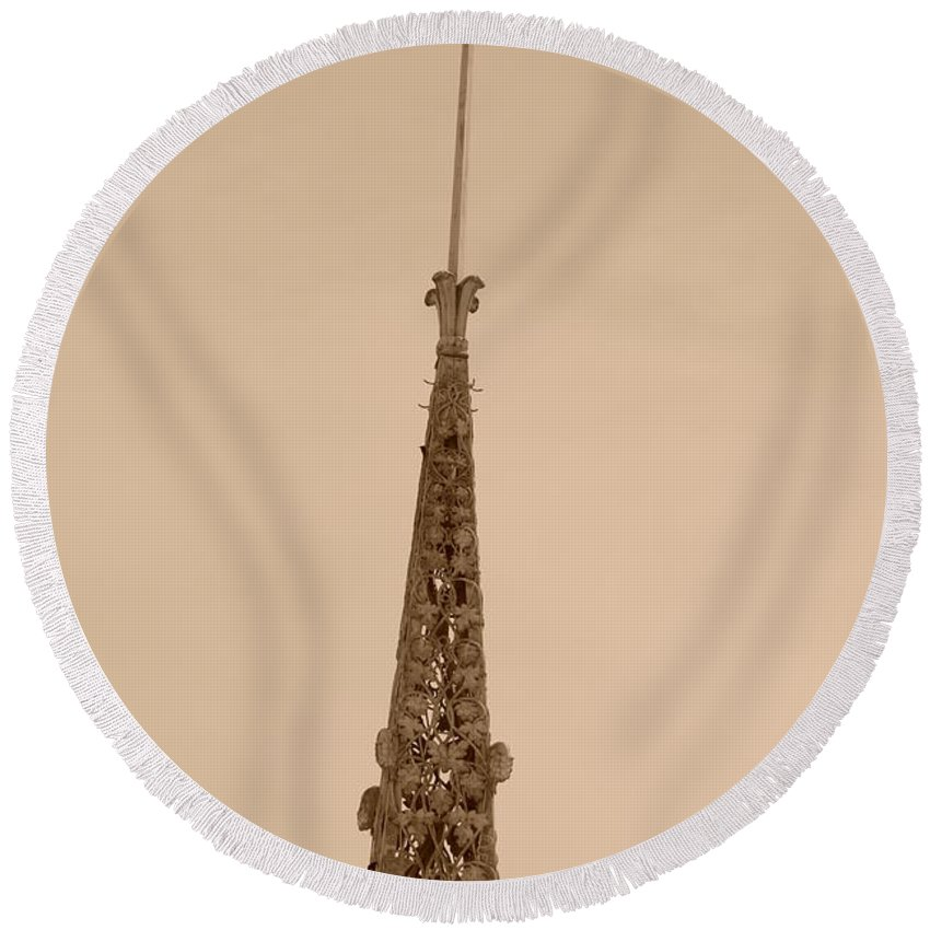 Sepia Round Beach Towel featuring the photograph Sepia Spire by Rob Hans