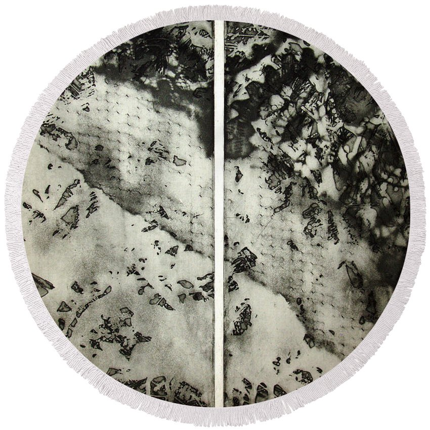 Etching Round Beach Towel featuring the drawing Shadows And Lace by Nancy Mueller