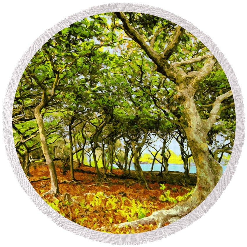 Wai'anapanapa Round Beach Towel featuring the painting Shady Grove At Wai'anapanapa by Dominic Piperata