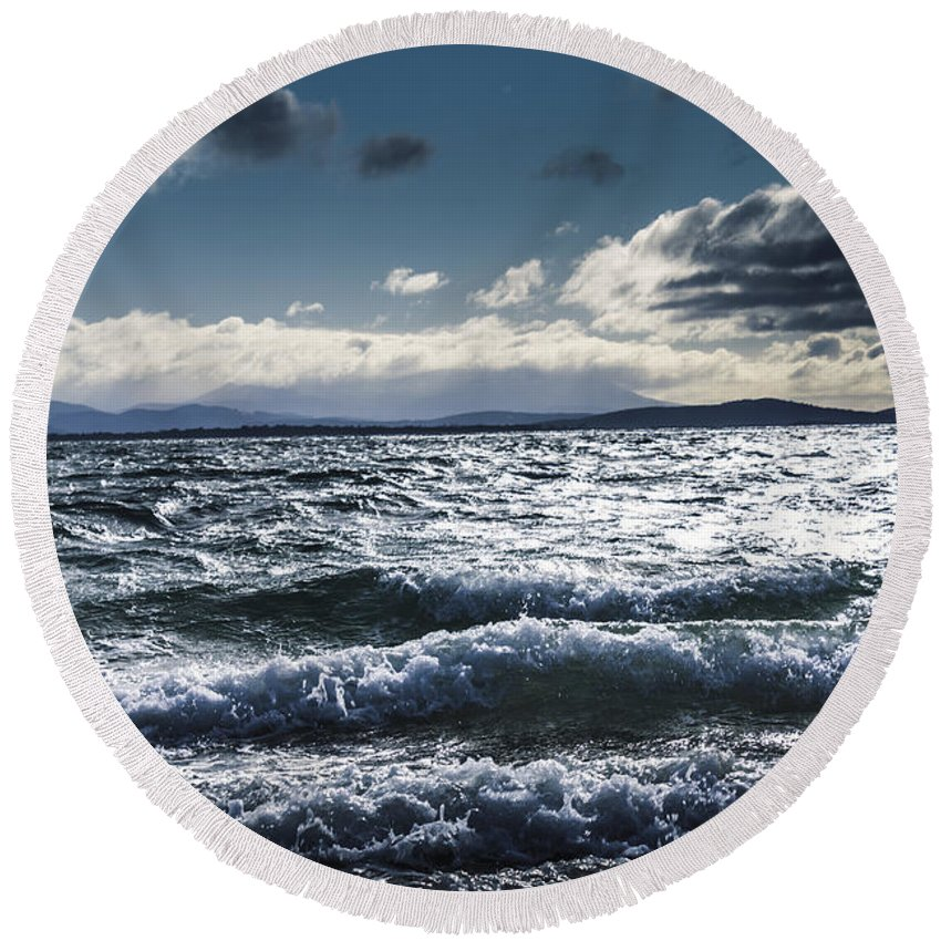 Ocean Round Beach Towel featuring the photograph Shallows And Depths Of Adventure Bay by Jorgo Photography - Wall Art Gallery