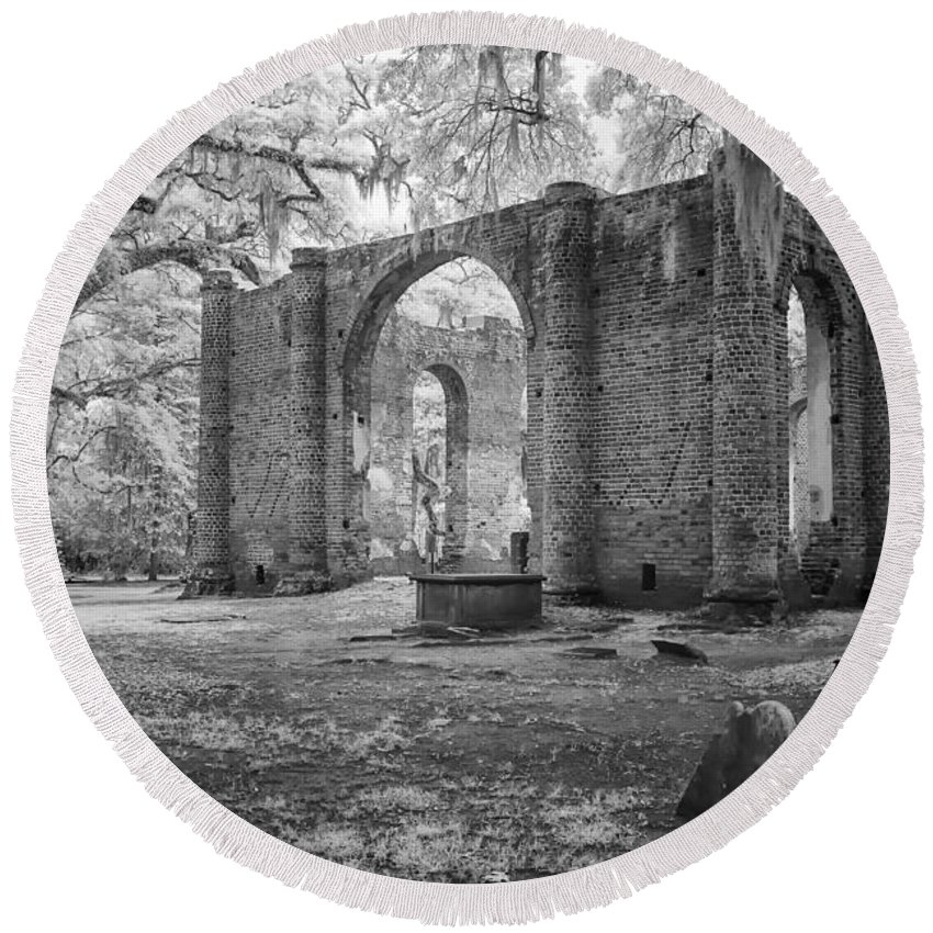 Cindy Archbell Round Beach Towel featuring the photograph Sheldon Church Ruins by Cindy Archbell