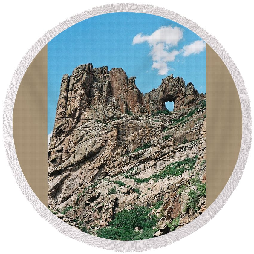 Shelf Road Round Beach Towel featuring the photograph Shelf Road Rock Formations by Anita Burgermeister