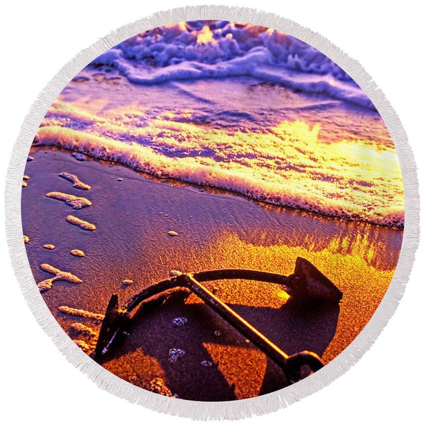 Ships Anchor Beach Round Beach Towel featuring the photograph Ships anchor on beach by Garry Gay