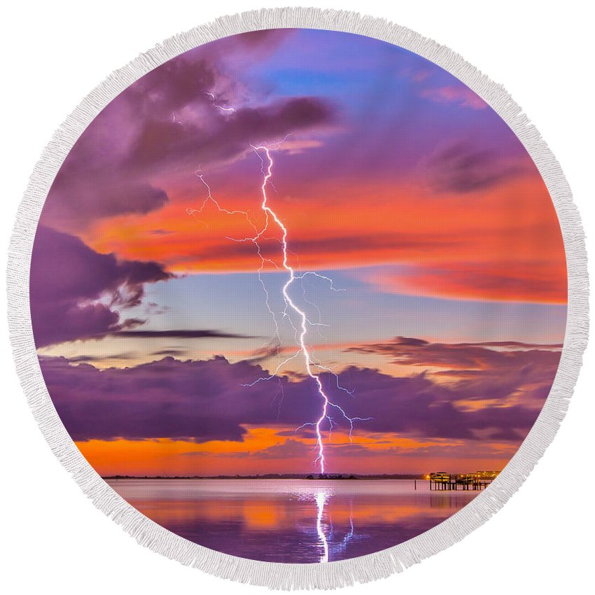 Sunset Round Beach Towel featuring the photograph Shocking Pinks Sunset by Stephen Whalen