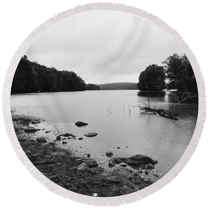 Landscape Round Beach Towel featuring the photograph Shoreline by Don Pintavalle