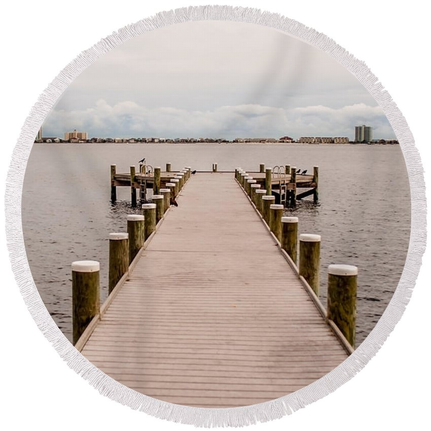 Shoreline Park Round Beach Towel featuring the photograph Shoreline View by Mechala Matthews