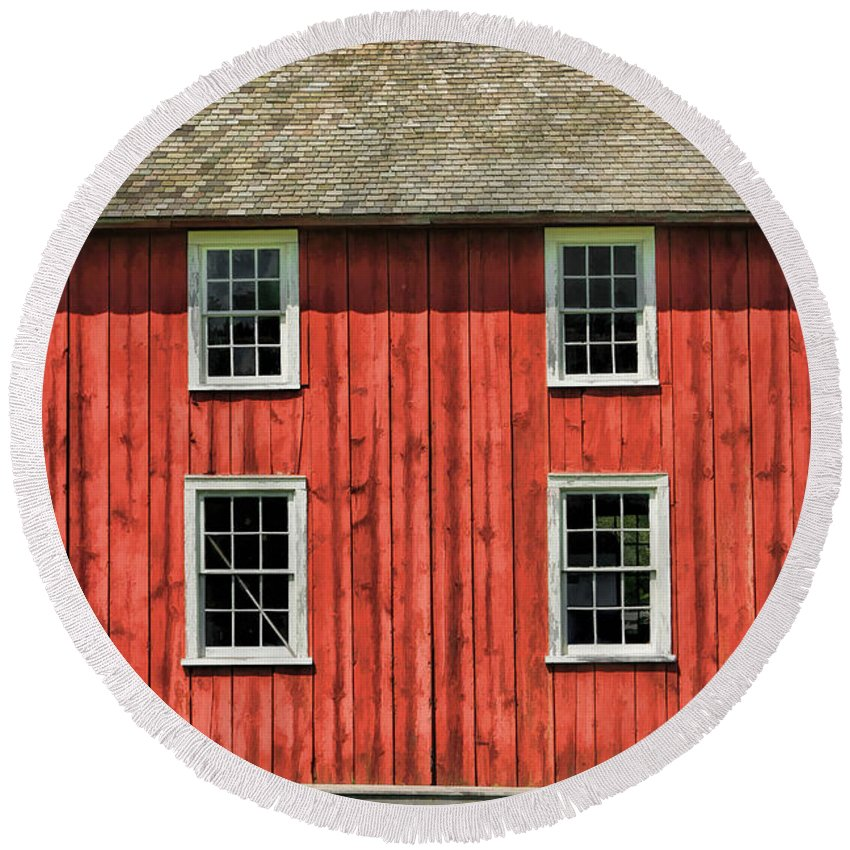 Old World Wisconsin Round Beach Towel featuring the painting Side Of Barn And Windows At Old World Wisconsin by Christopher Arndt