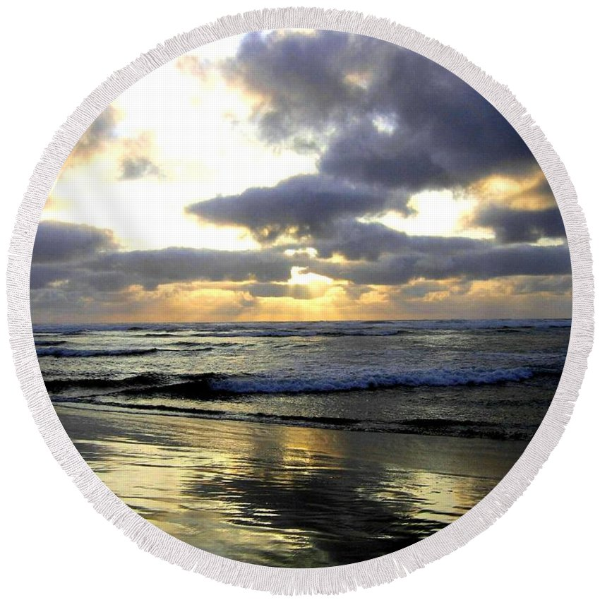 Sunset Round Beach Towel featuring the photograph Silver Shores by Will Borden