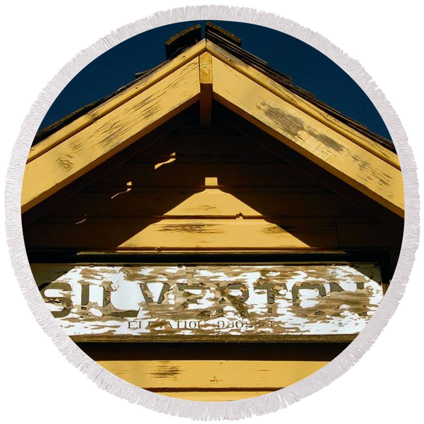 Silverton Colorado Round Beach Towel featuring the photograph Silverton Train Station by David Lee Thompson