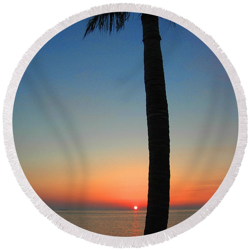 Photography Round Beach Towel featuring the photograph Single Palm And Sunset by Susanne Van Hulst