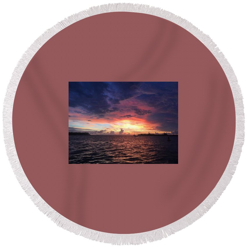 Sunset Round Beach Towel featuring the photograph Skies by Jeffrey Hite
